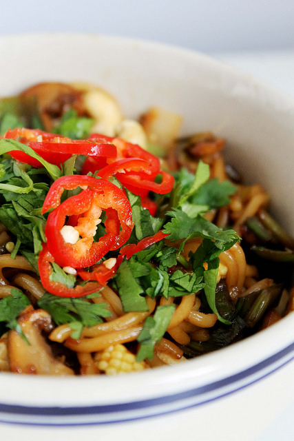 Quick Cashew Noodles